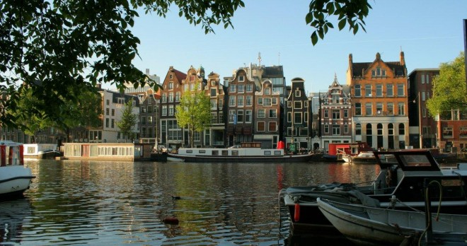 how to travel to belgium from amsterdam
